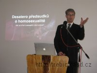 100925_p_homosexualita1